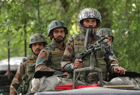 印度军费飙升16%,还买了184亿军火,完全无视国内经济?