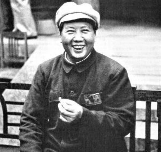 一名馬伕管毛澤東叫大哥,建國後去北京參觀,想找毛大哥要點錢