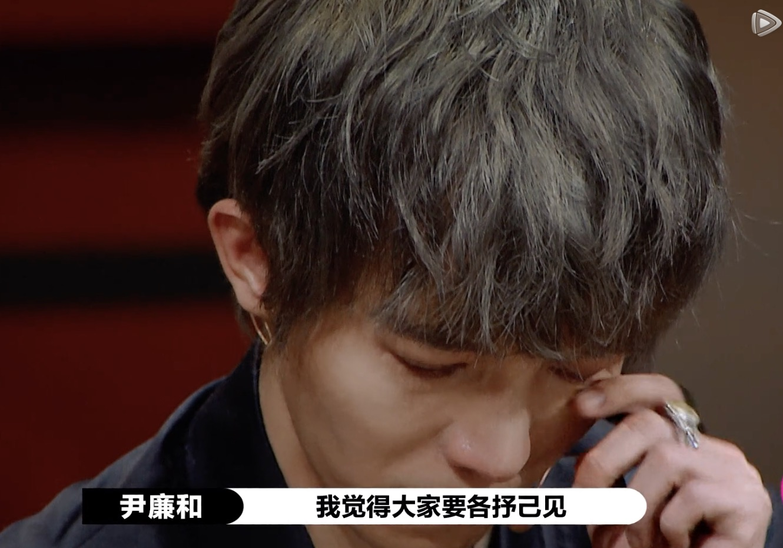 郭敬明被尔冬升怼哭,台下让尔导手下留情,台上却大批对方作品