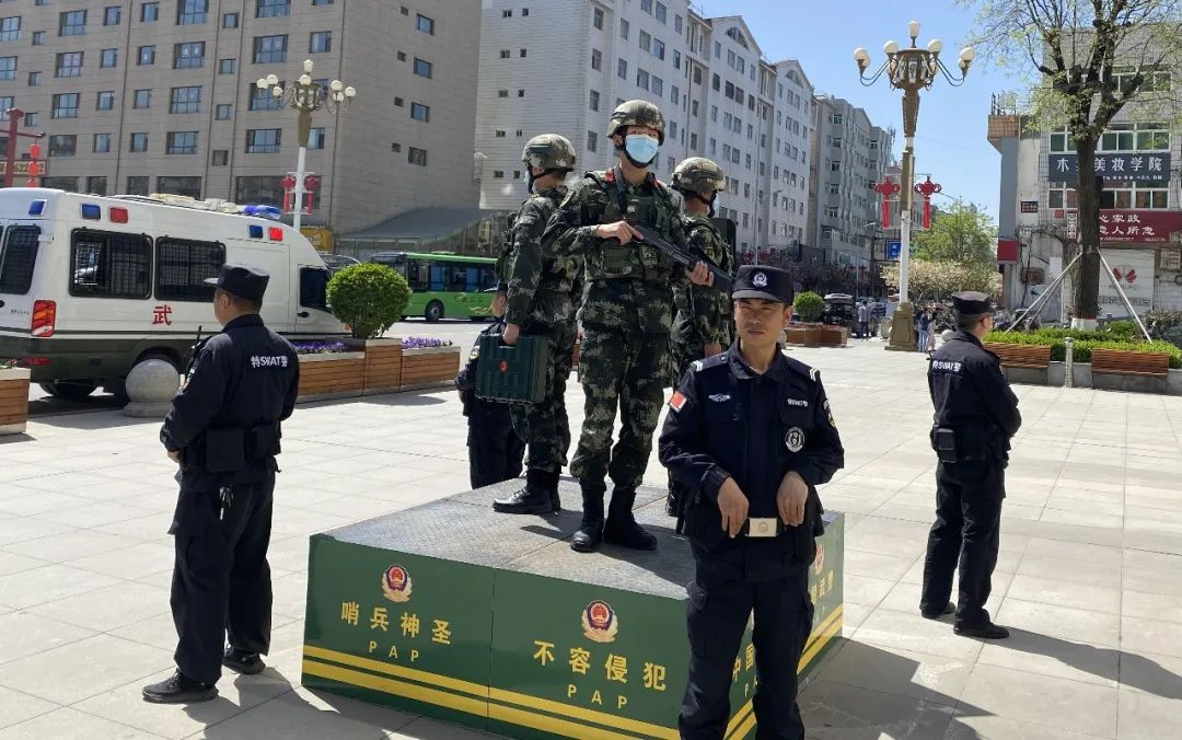 """武警<a href=http://www.cngansu.cn/ target=_blank class=infotextkey>甘肃</a>总队陇南支队:""""五一""""小长假 他们这样过"""