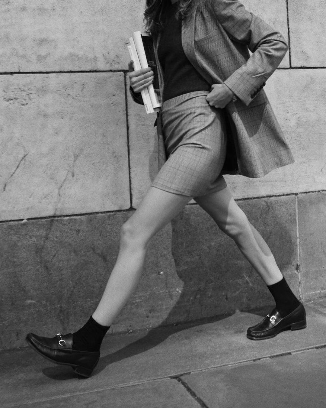 今夏不容错过的穿搭首选:西装+短裤超A组合,让你舒适又时髦有型