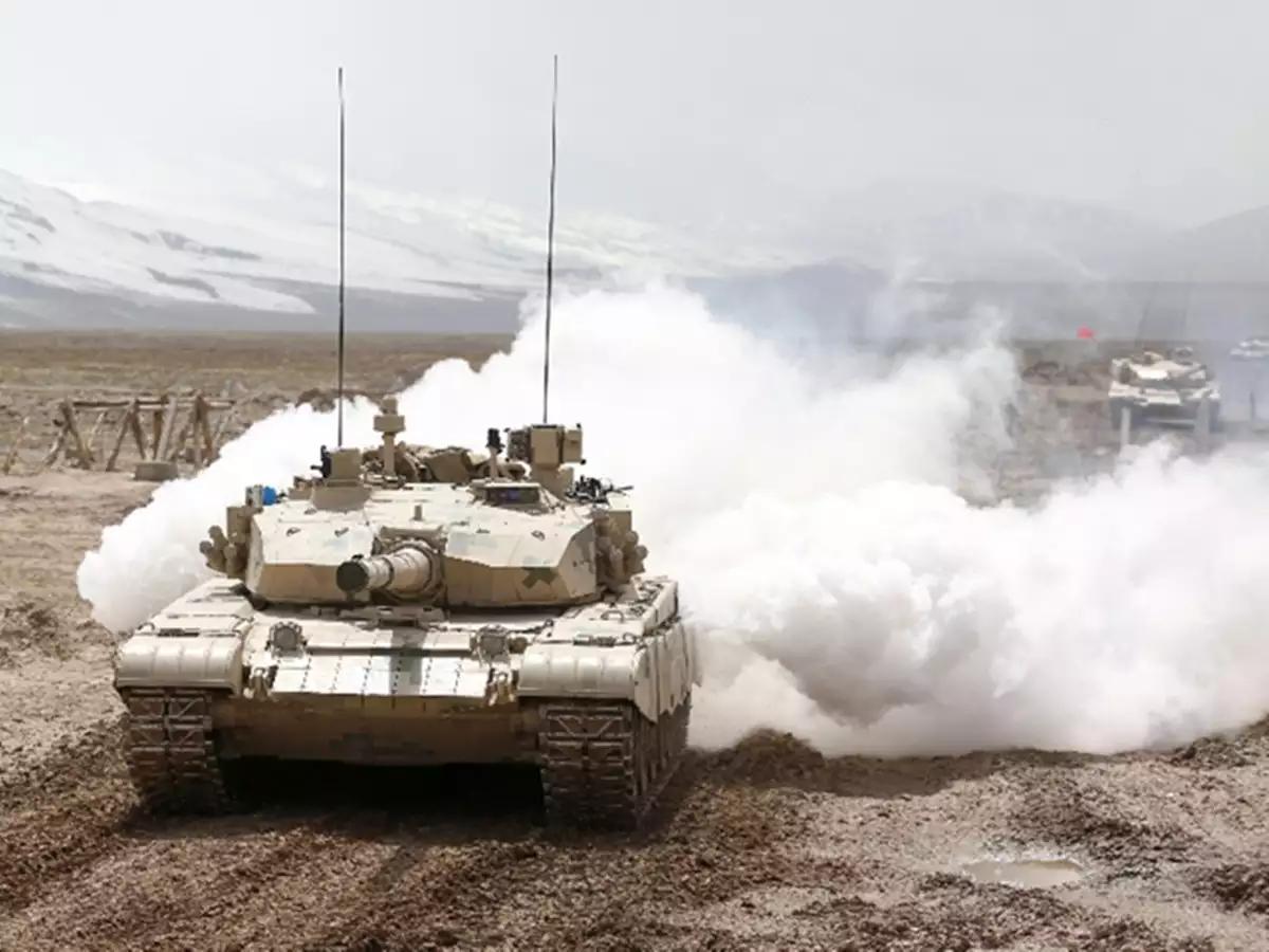 开完了坦克,又学会开海军战斗机:解放军王牌战士是这样炼成的