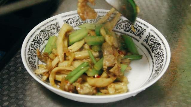 把芹菜炒杏鲍菇当做招牌菜? 美食做法 第25张