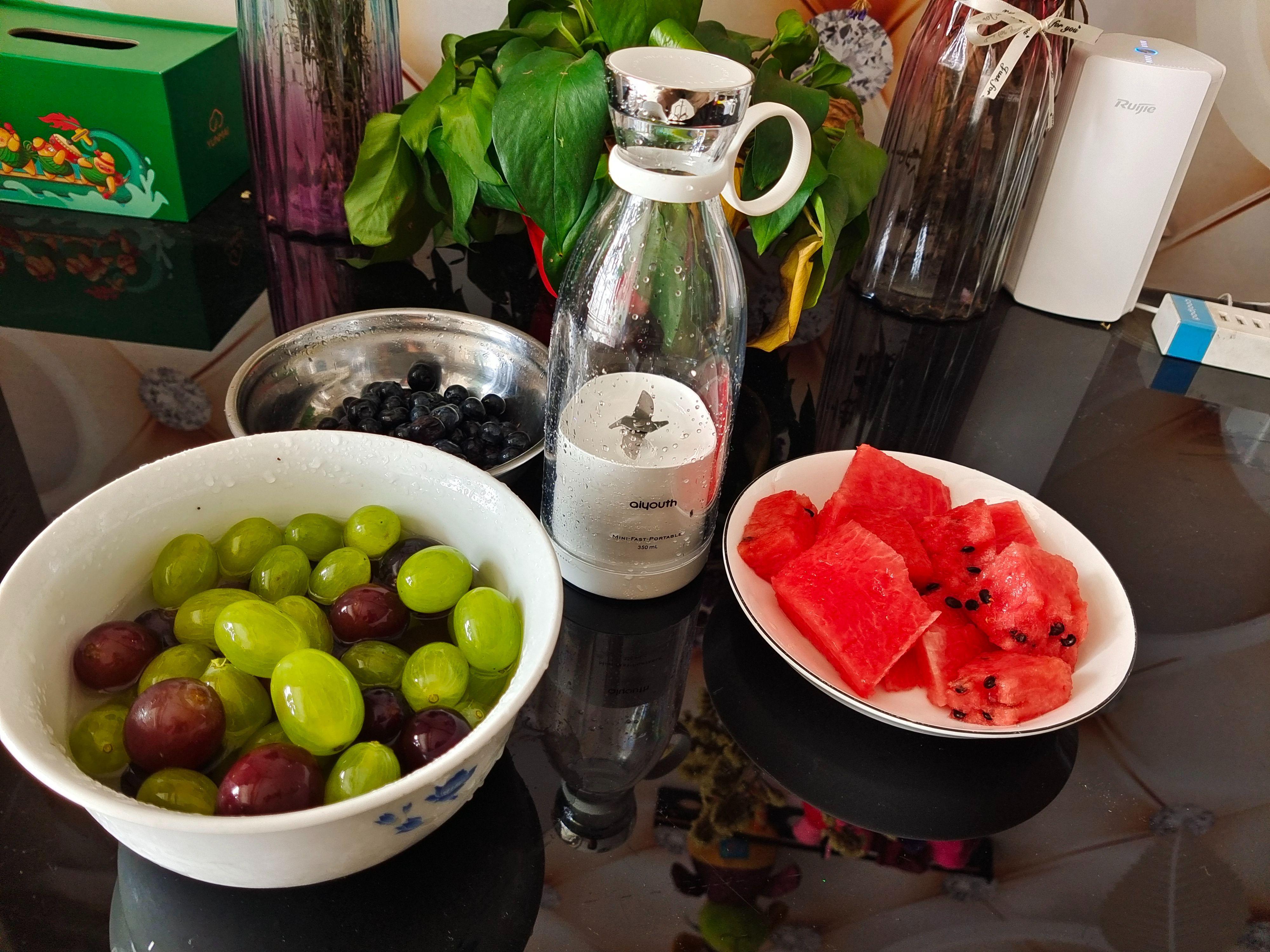 10S轻享一杯果汁,纯汁率达到99%,百元网红aiyouth榨汁机评测