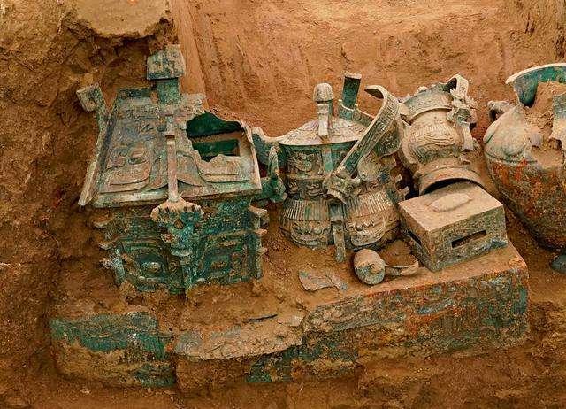 陕西发现西周大墓,出土近百件青铜礼器,墓主竟是个女人