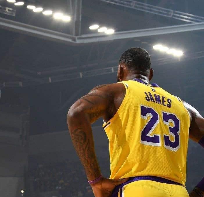 生涯17年,詹姆斯包攬13個最佳一陣!另外四次,他都輸給了誰?-黑特籃球-NBA新聞影音圖片分享社區