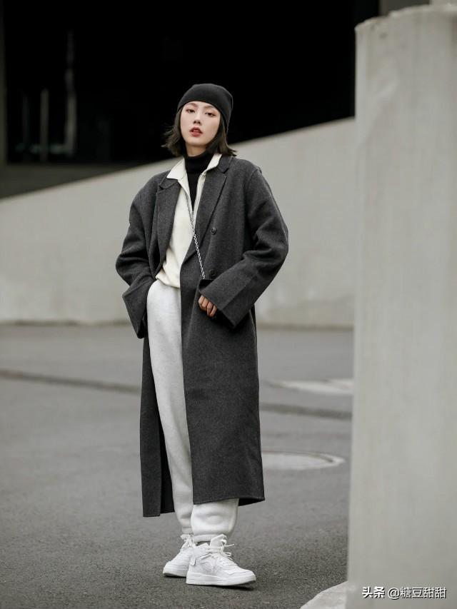 2021冬春又火了一种裤子叫粽子裤,拉风保暖,配大衣穿很高级