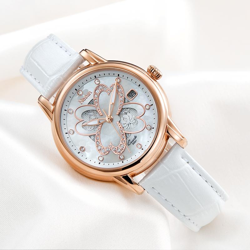 假期之后,天气渐凉,这样佩戴手表让你更舒适