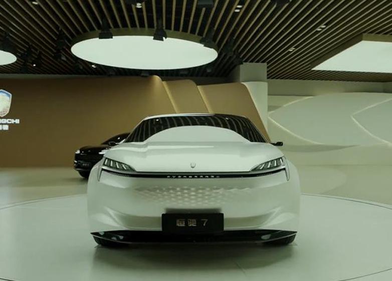 许家印眼光独到,三款新车震撼市场,国产新能源如日方升