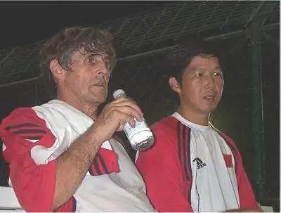 翻译,用另一种方式拥抱职业足球