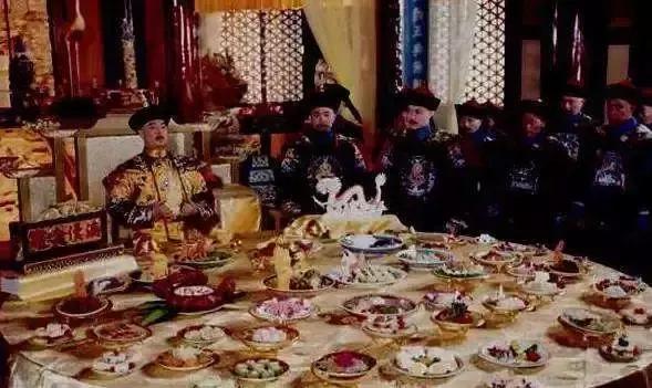 想要毒死清朝皇帝有多难?溥仪:退位之前,我都没吃过一口热的