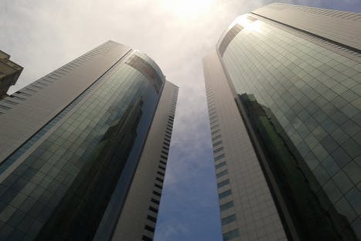 集體單位的主辦企業豁免該單位債務是否繳納所得稅?