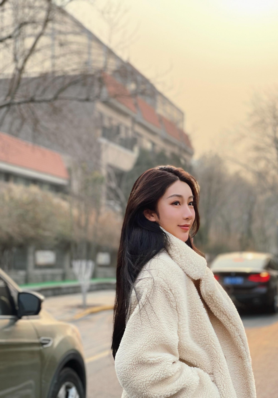 吴亦凡再被锤恋情,冷暴力后消失致女方抑郁,6天内被曝2位女友