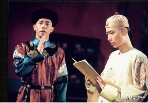 鹿鼎记的康熙为什么这么喜欢韦小宝?他是康熙此生唯一的朋友