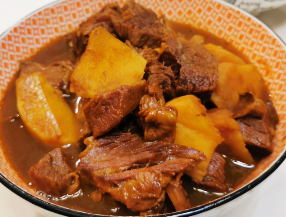 小土豆炖牛腩的做法步骤图 简单易做软烂耐嚼