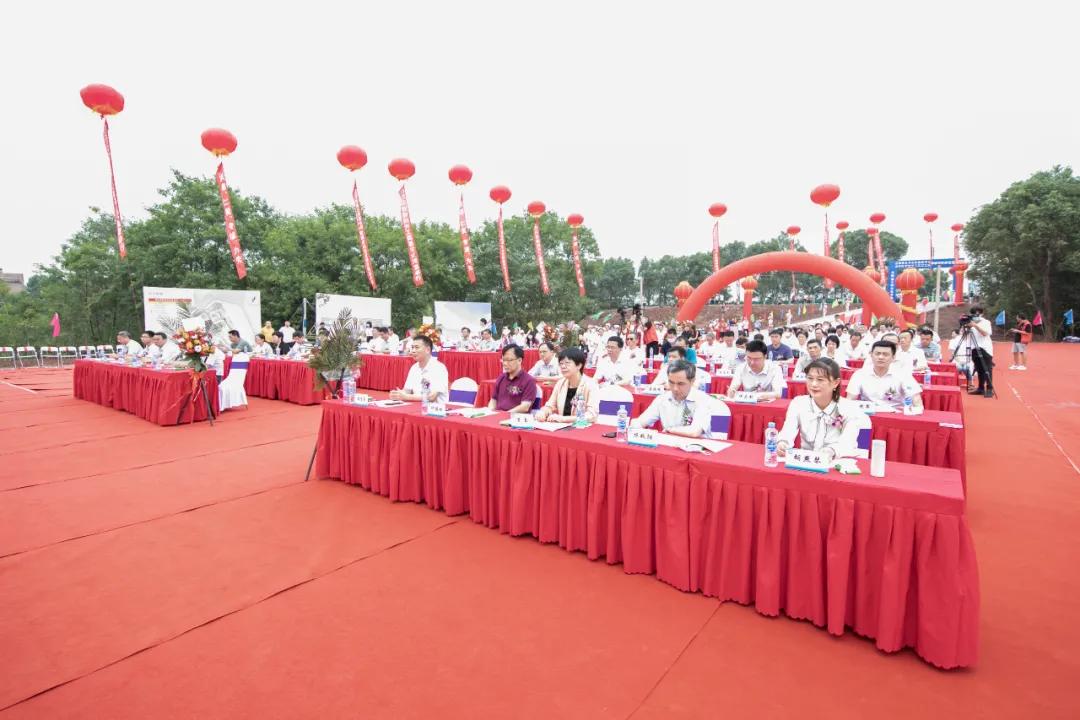 江西省公共卫生临床中心、南昌医学院第三附属医院新院区项目奠基