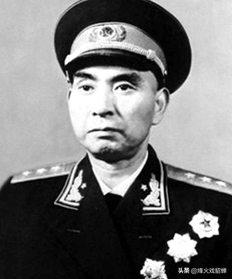 """63年,中将王近山被妻子实名举报""""作风问题"""",并受到严厉处罚"""