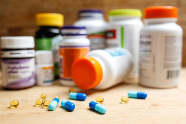 申請經營保健食品,是在工商部門辦理許可證還是在食品藥品監督管理部門辦理許可證?