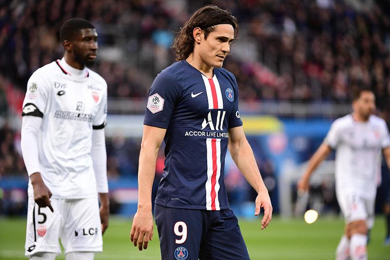 一进一出!曼联掀起转会最后高潮,敲定巴黎神锋,穆帅爱将投意甲