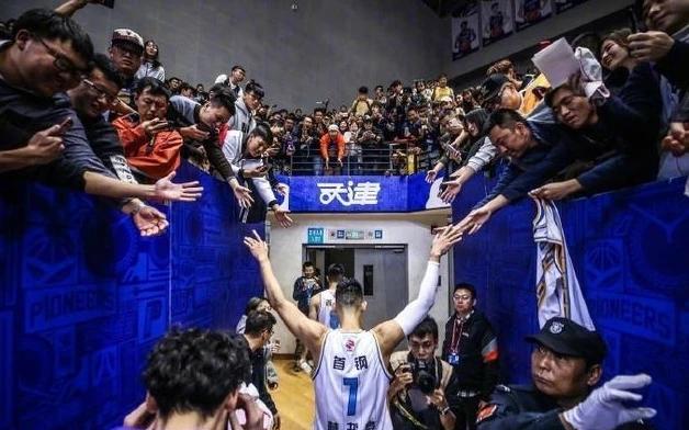 书豪第二阶段比赛结束后回归CBA,灰溜溜返回北京打脸不尴尬?