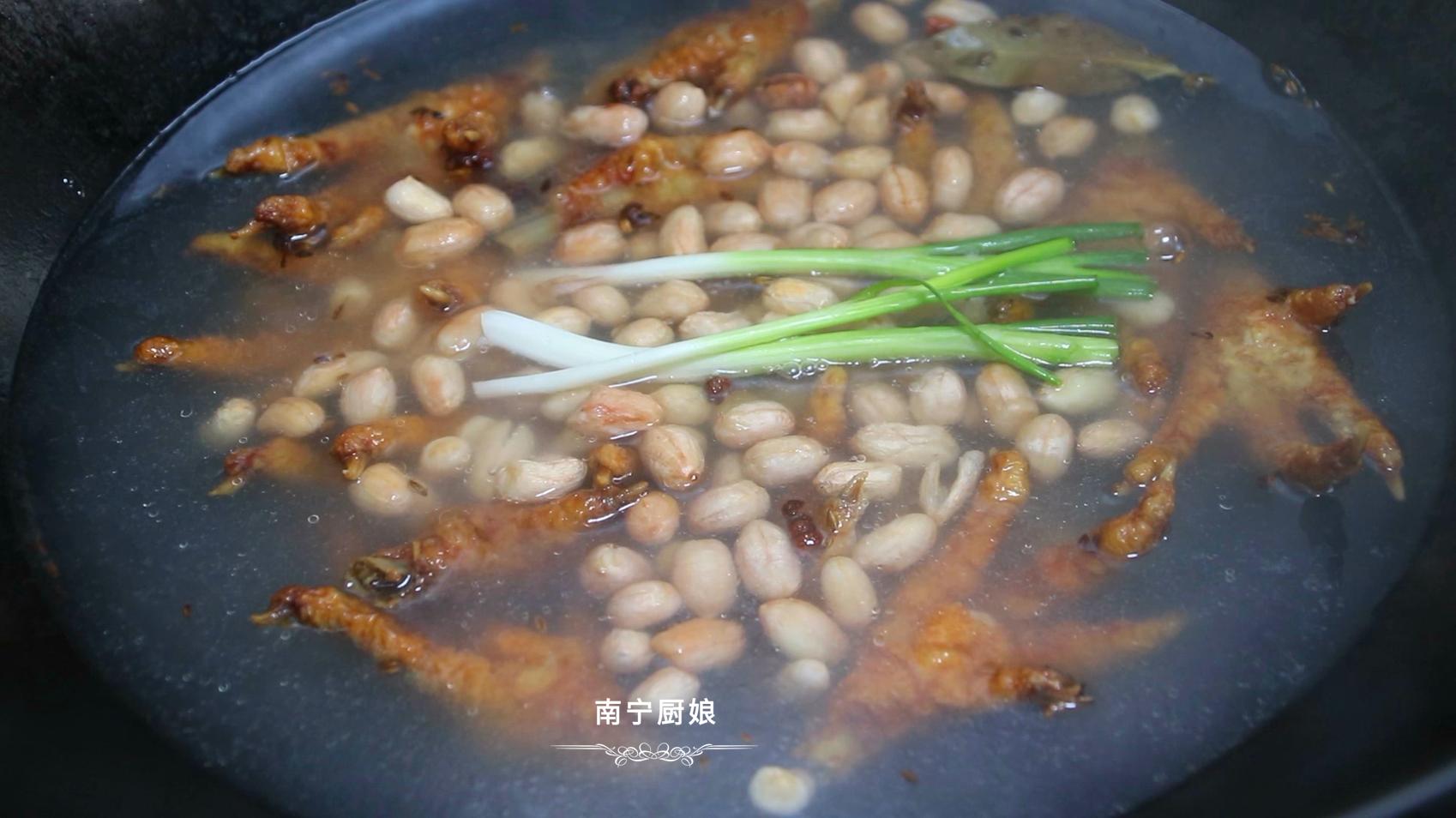 雞爪這做法太好吃了,軟糯入味,入口脫骨,難怪廣東人早茶必吃它