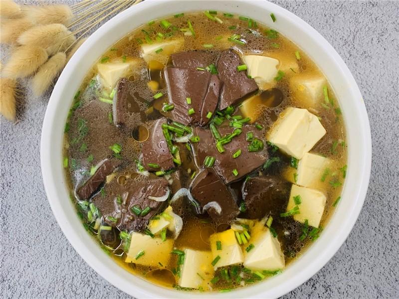 豆腐和这一起煮,多给孕妇吃,能预防缺铁性贫血 孕妇菜谱做法 第5张
