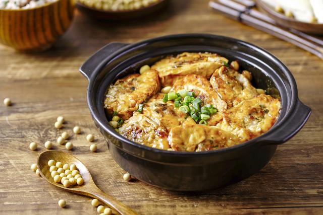 震惊!吃了半辈子煎豆腐,第一次见这种做法,上桌后连汤汁都抢没 美食做法 第12张
