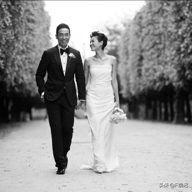 陈豪放假与老婆子女度假享受家庭乐 当摄影师为太太拍下很多美照