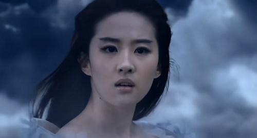 """被刘亦菲的""""婚纱造型""""丑哭?看到原设计稿,心动的感觉"""