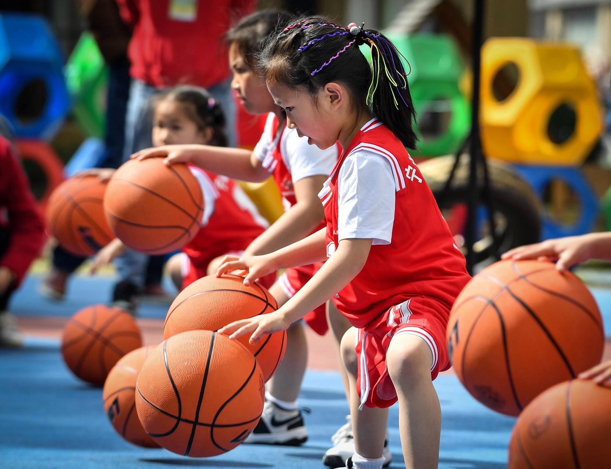 别催着孩子运动了,这三项运动即影响身高,还伤身体,家长要留心
