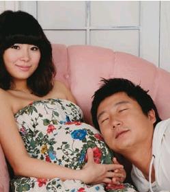 李秀根妊娠中毒的妻子朴智妍:结婚挑战迷你婚纱,死前想再试一次