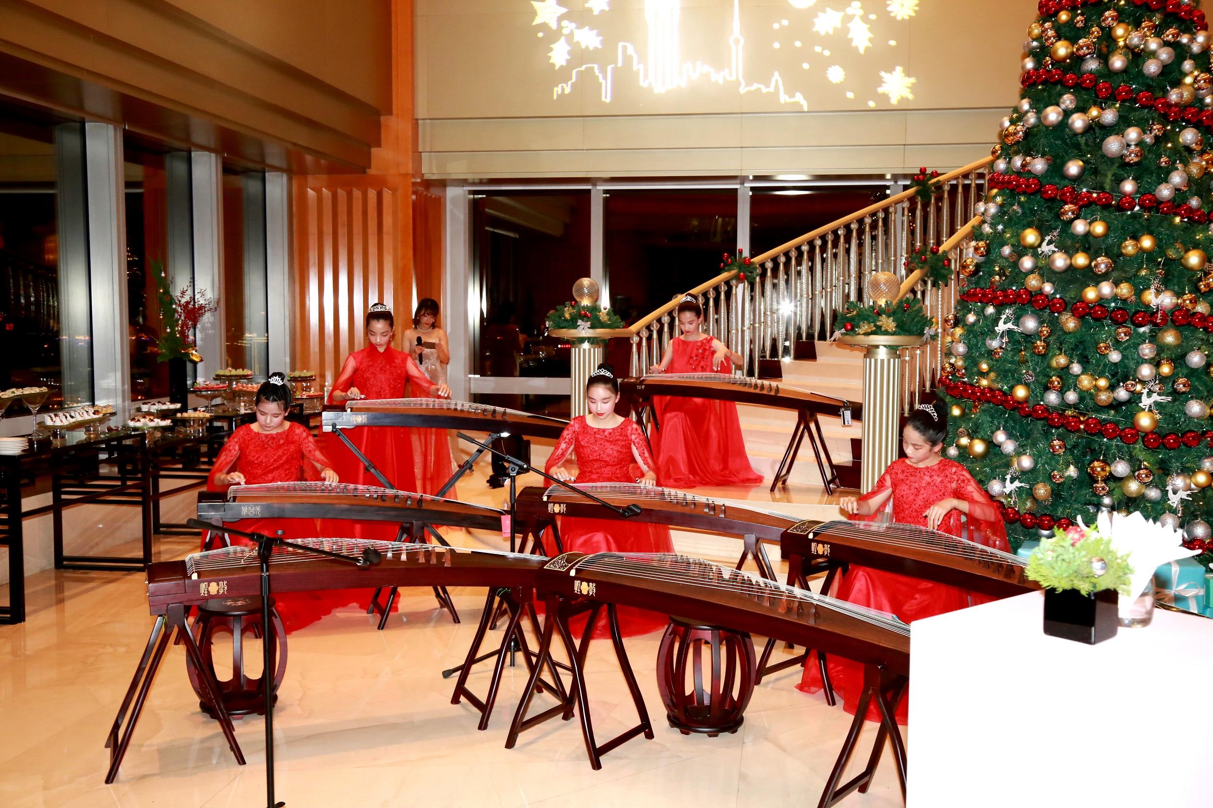 上海明天广场JW万豪酒店开启圣诞季庆祝序幕