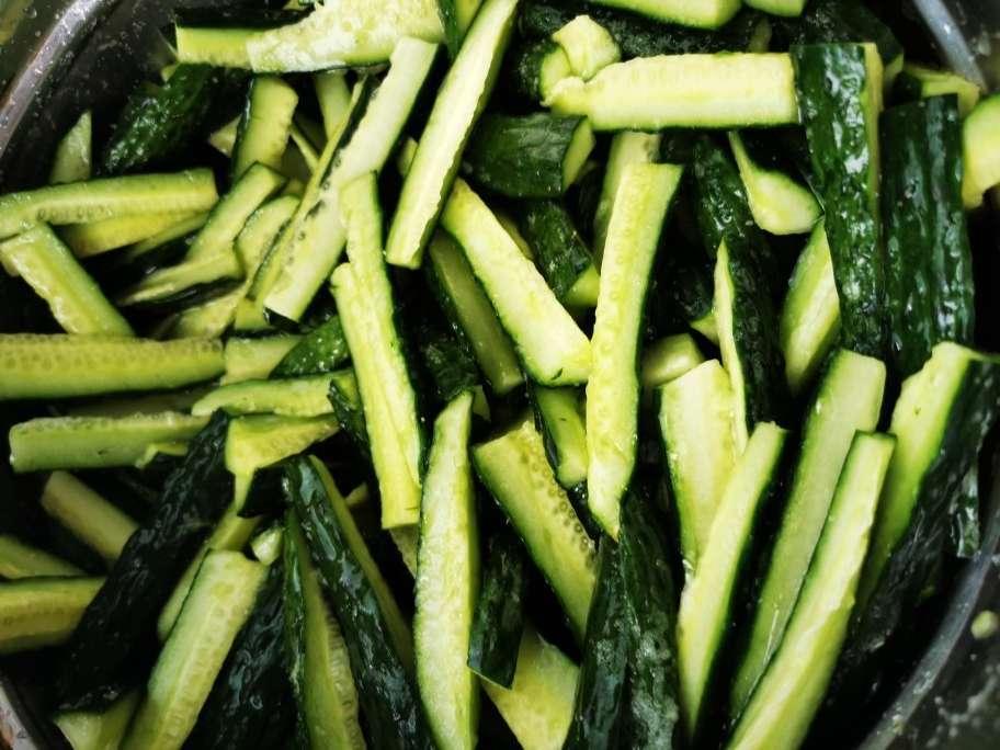 私藏多年的腌黄瓜经验,配方教给你,2个小时就能吃,开胃又下饭 美食做法 第4张