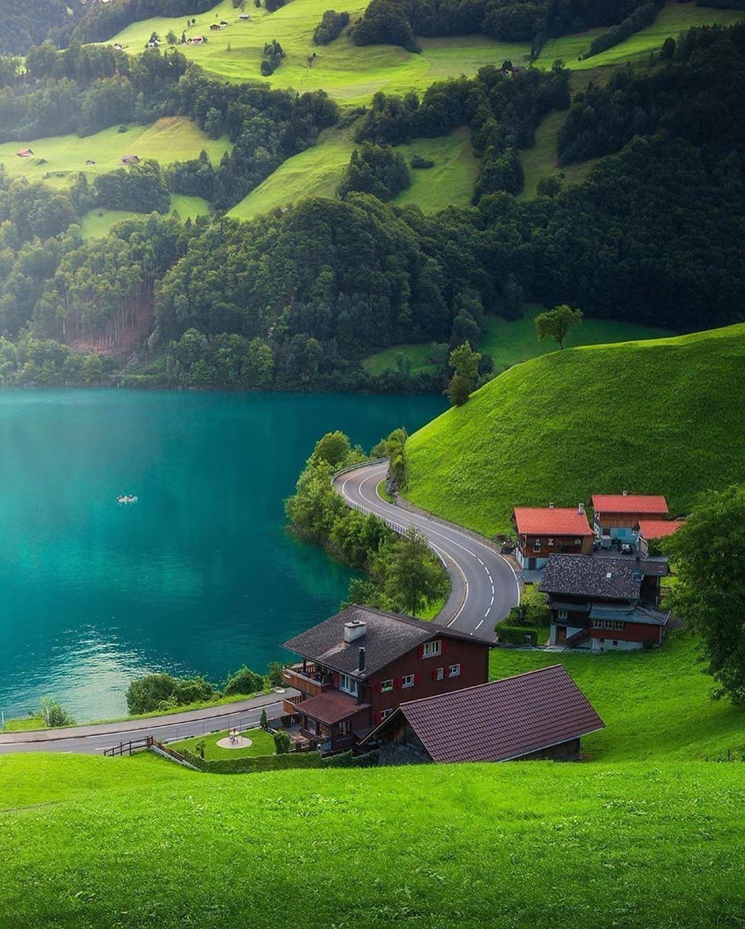 f96bf6bdecd640a1bf0bb21654ad1001?from=pc - 瑞士:一个童话般的国家