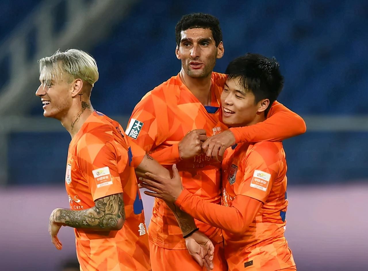 江苏苏宁夺得联赛冠军后,足协杯也有可能被他们收入囊中
