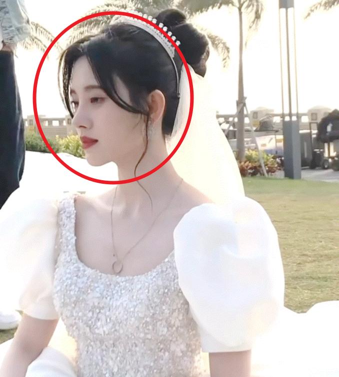 躲过了许佳琪穿婚纱,却对鞠婧祎一眼沦陷,难道不是最美新娘吗?