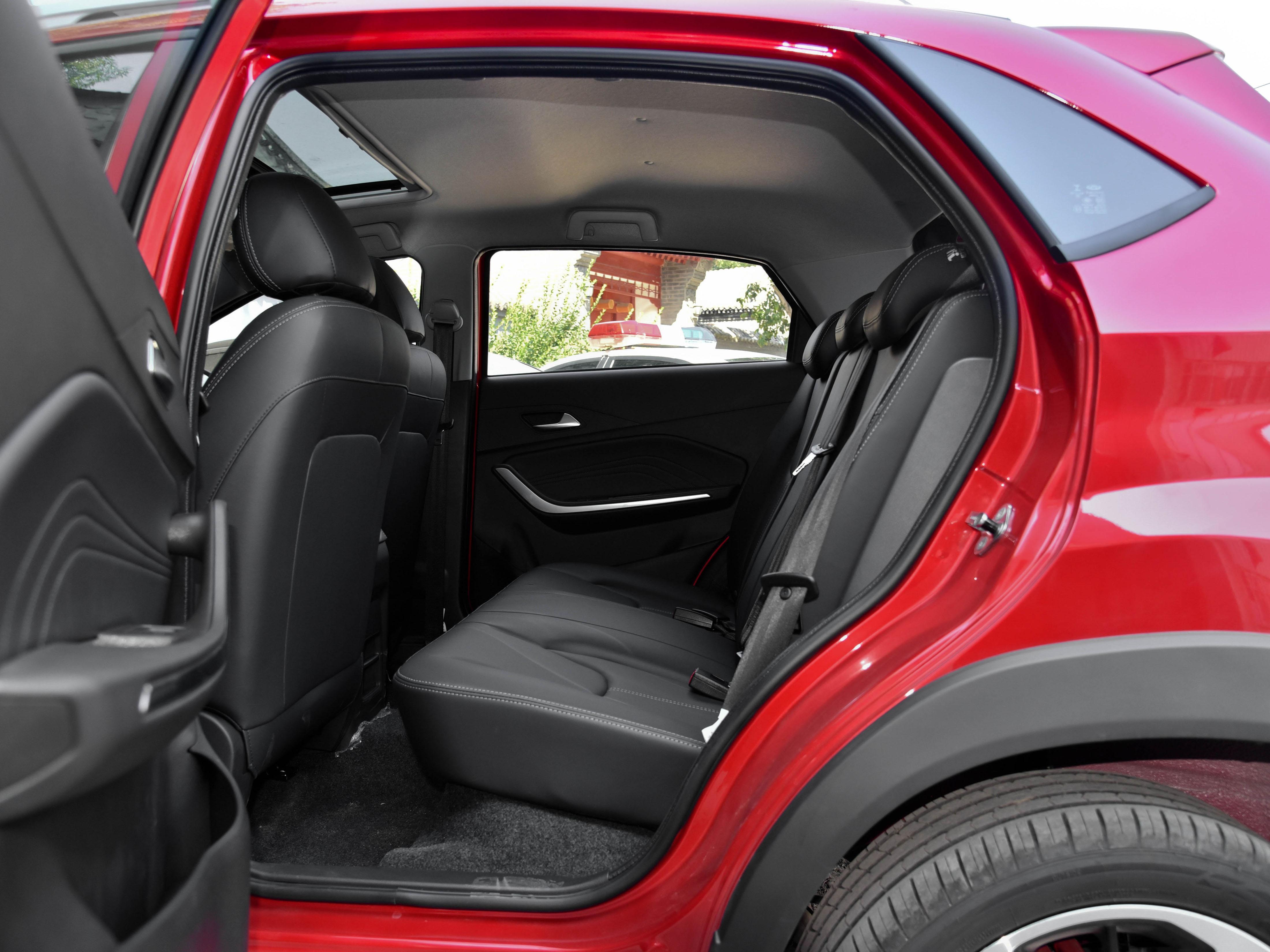 價格便宜,自動擋好開的SUV,帶你看奇瑞瑞虎3x PLUS