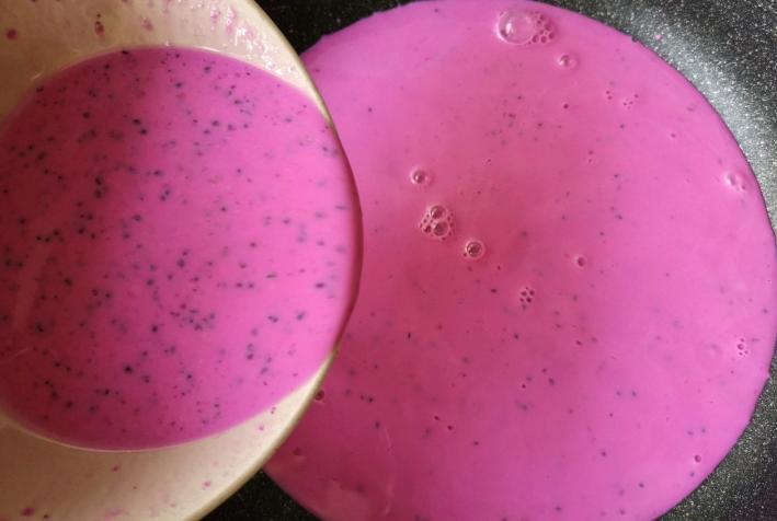 1個火龍果,1盒牛奶,教你做這個簡單的甜品,奶香濃郁入口即化
