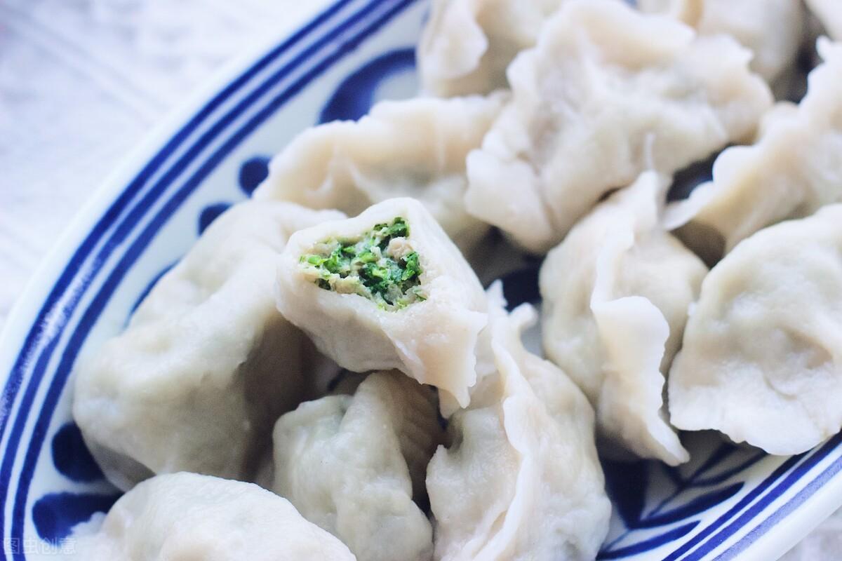 春季多吃应季野菜,这菜随处可见,营养丰富口感好,包饺子太鲜美 美食做法 第1张