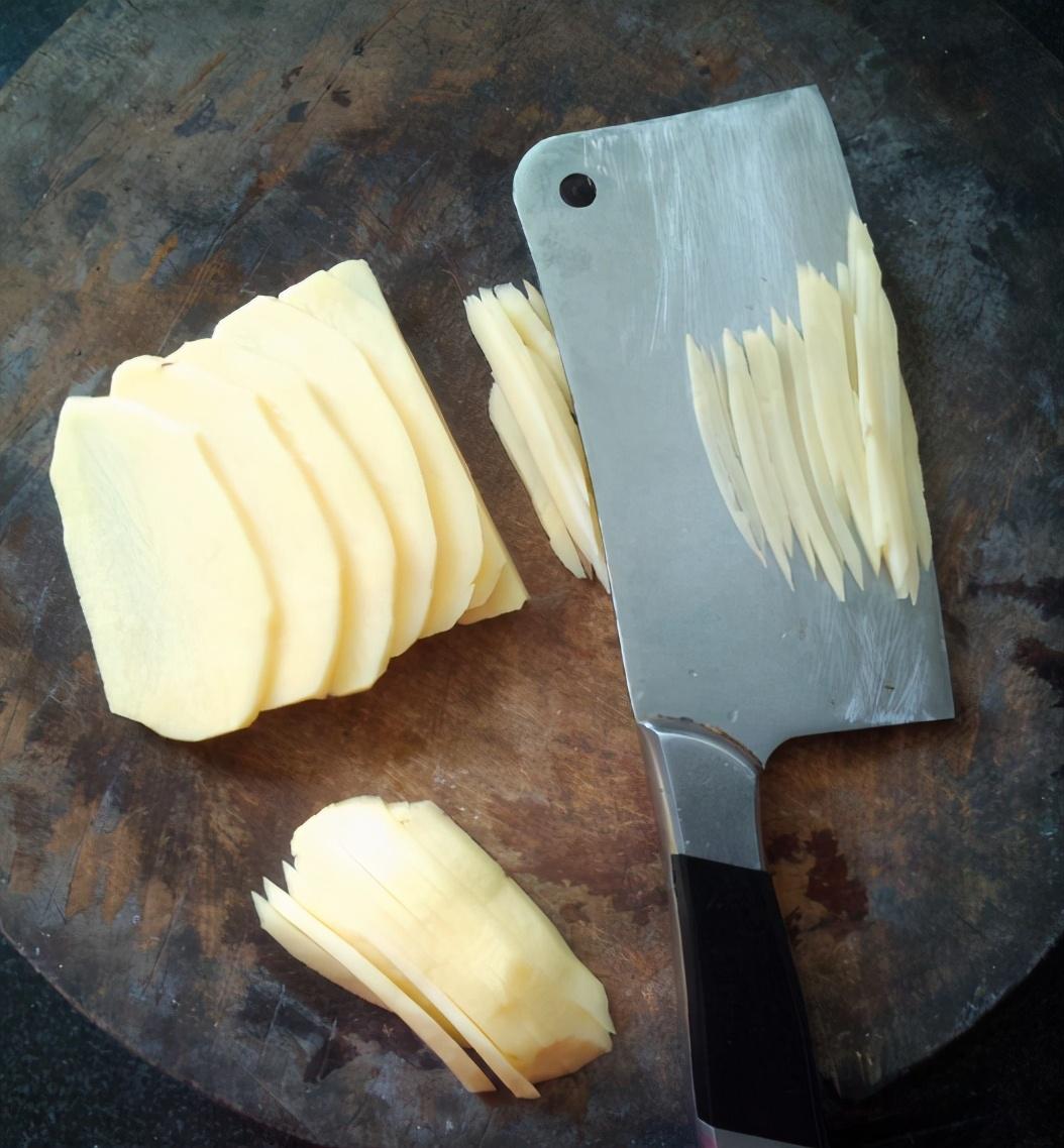 炒土豆絲,放醋時機很重要,學會2技巧,出鍋鮮亮脆爽,酸辣入味