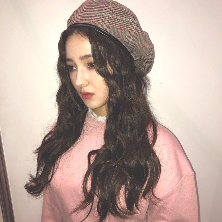 韩国女偶像们秋冬穿搭之时尚必备-贝雷帽 给你全方位温暖