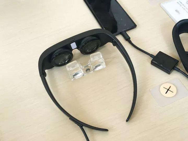 售价 16999 元的华为 Mate X 国行版发布,还有可折叠的 VR 眼镜