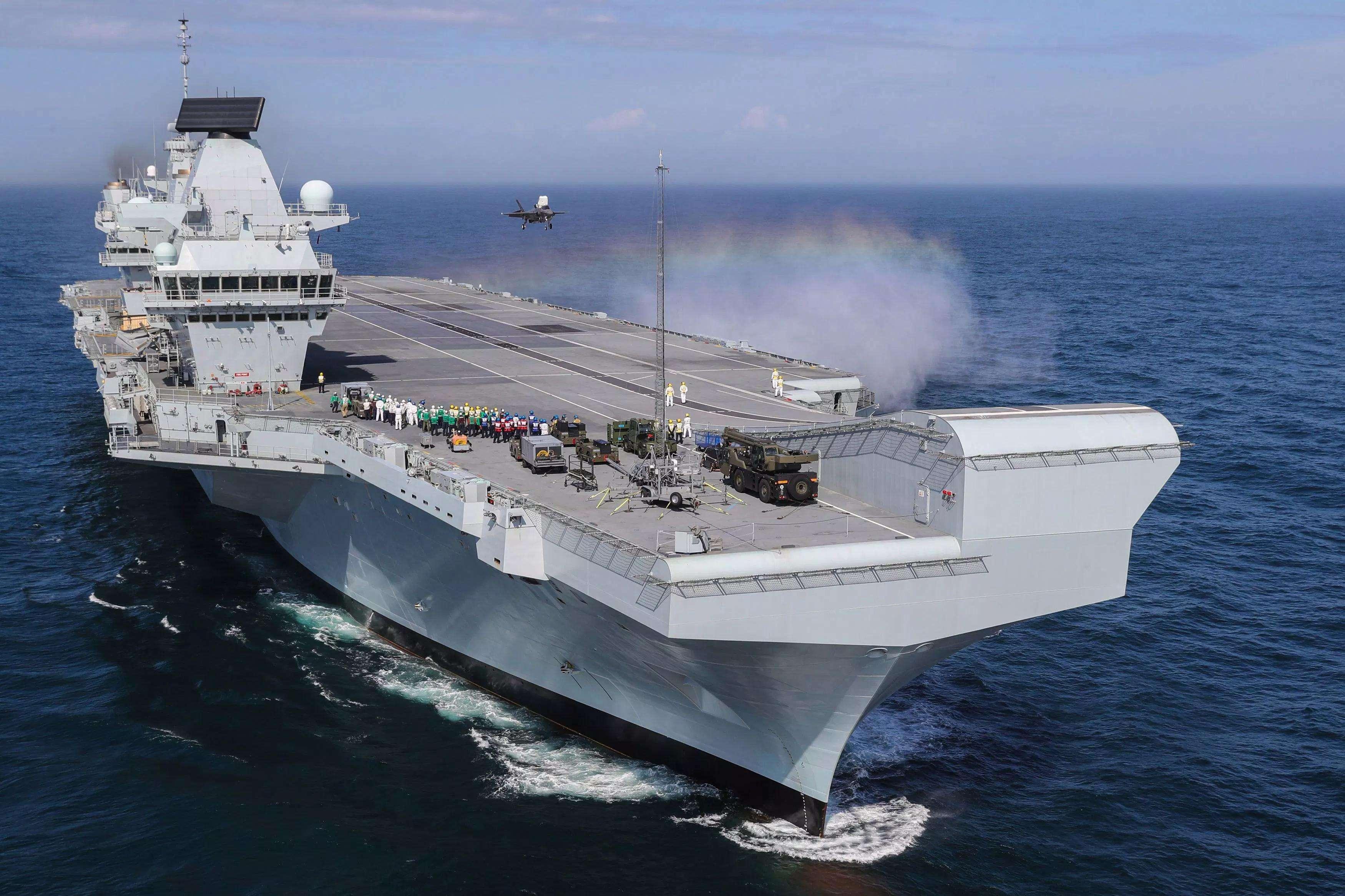 物极必反,英国女王级航母看似奇葩,却可能是设计最成功的航母