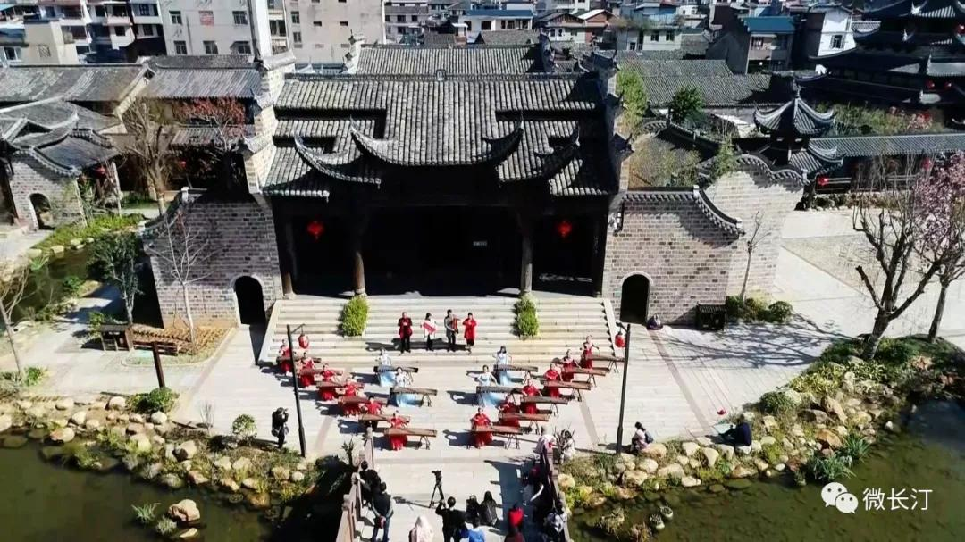 长汀:客家方言唱响《春节贺词》 老区人民凝心聚力谋发展