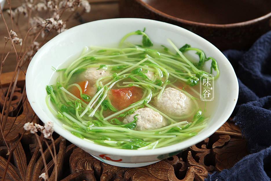 天越热,这汤越要多喝,做法简单,清香爽口不油腻,皮肤白嫩水灵