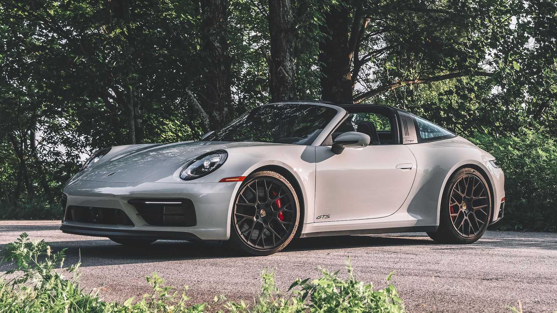 介于Carrera S和Turbo S之间,全新保时捷911 GTS大量实拍图发布