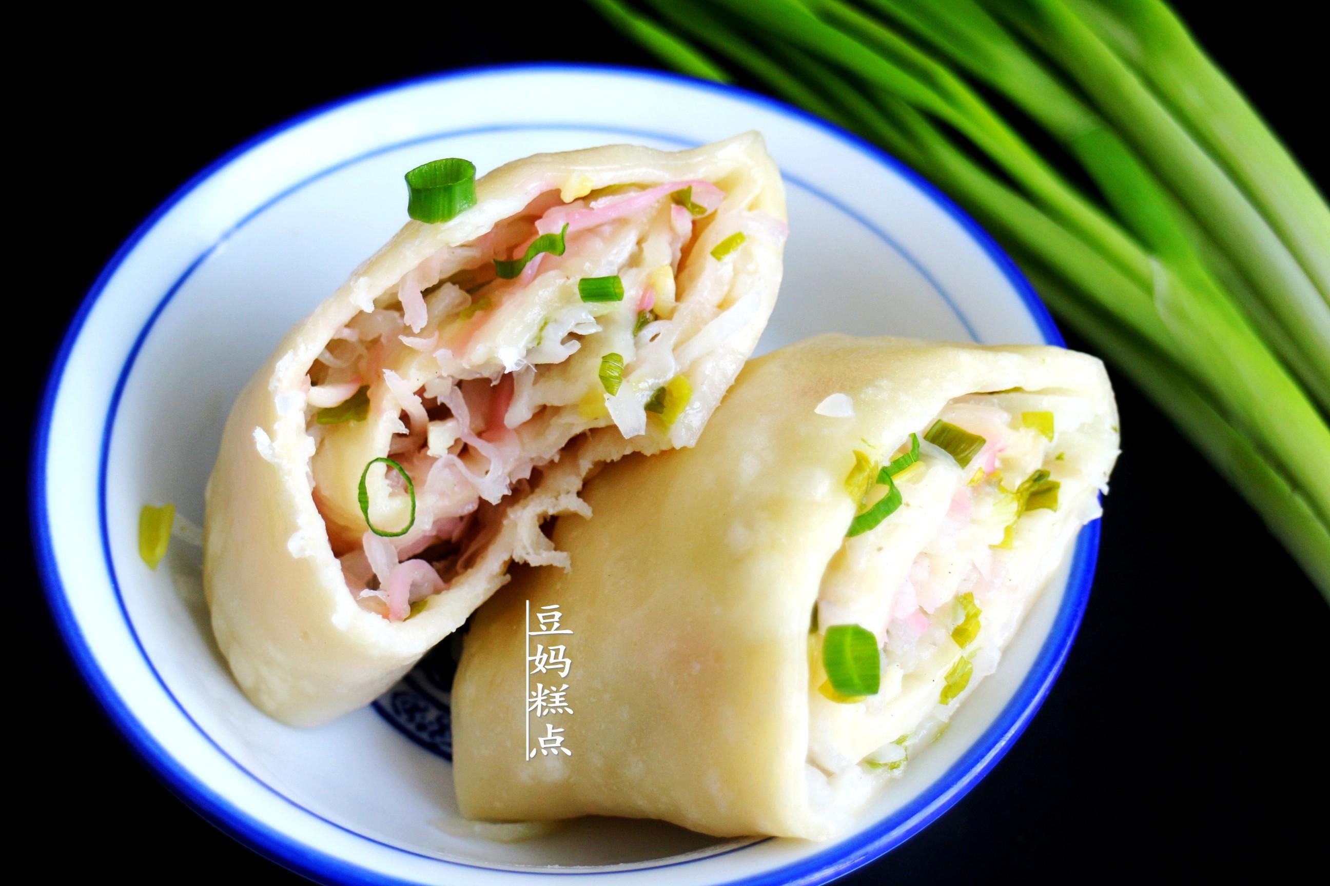 冬天,學山東人蒸蘿蔔卷子,簡單營養又有特色,越吃越香