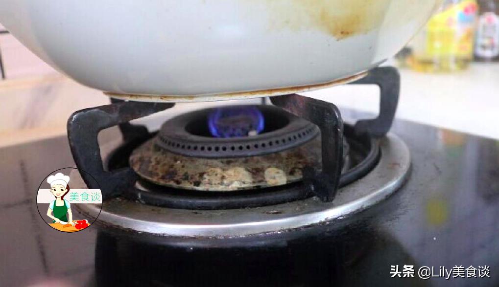 蒸水蛋时,是用热水还是冷水?掌握好3个诀窍,蒸蛋水嫩、像豆腐