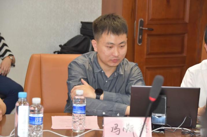 青年作者冯嘶赫作品《永远跟党走·信仰》在京正式发布