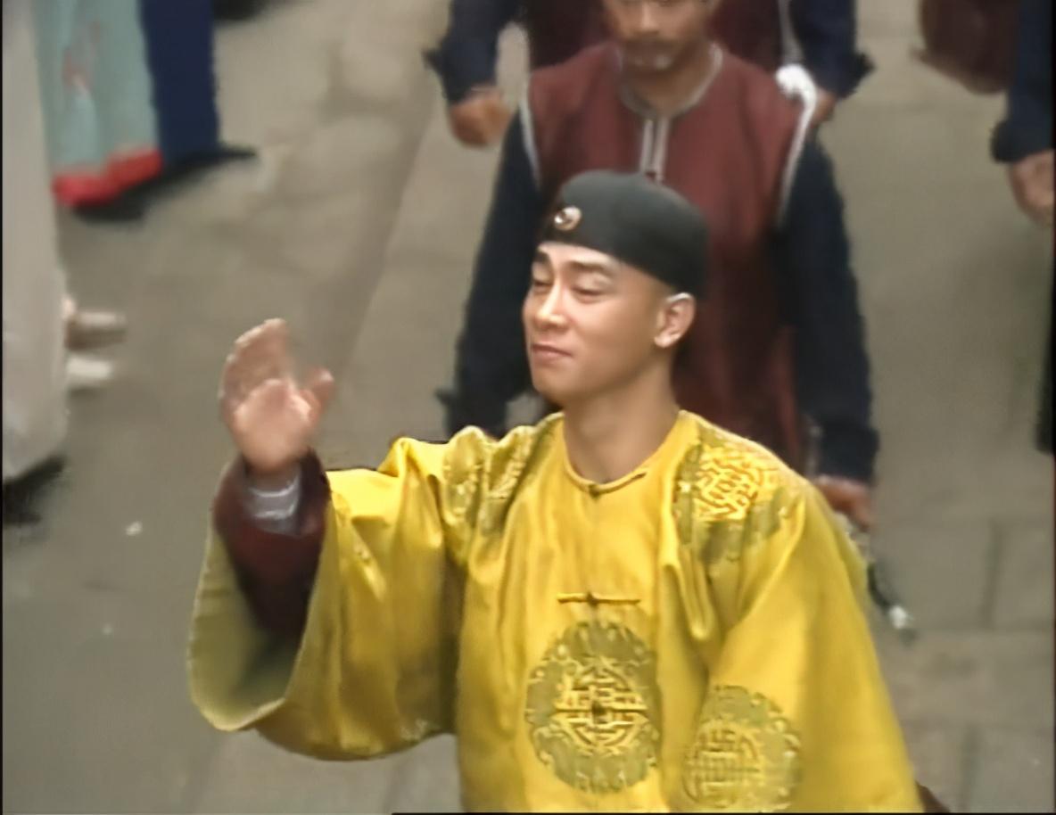 张一山没演好的韦小宝,为什么被当年的陈小春演成了经典?